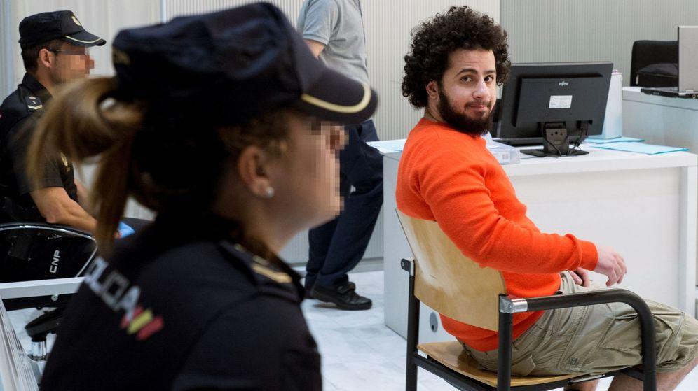 Foto: La Audiencia Nacional juzga al yihadista danés Ahmed Samsam, alias 'Abu Bakr' o 'Syri'. (EFE)