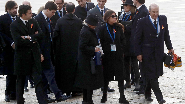 Llegada de la familia Franco a la basílica del Valle. (Reuters)