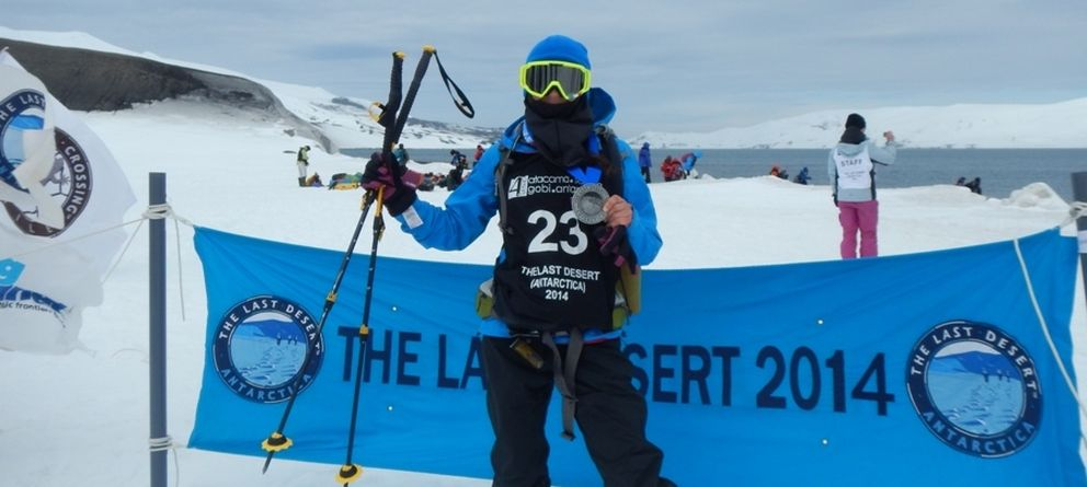 Foto: Bea García, tras terminar la segunda mujer en la Antártida 2014.