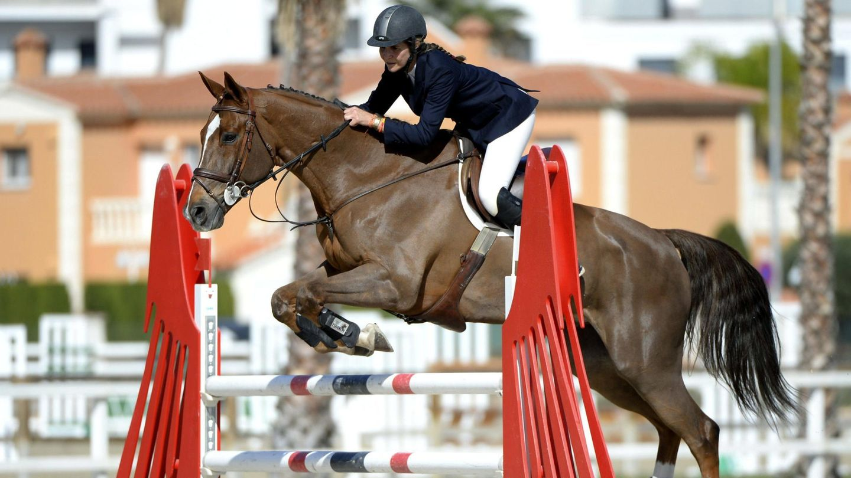 La infanta Elena, junto a su caballo Qant. (EFE)