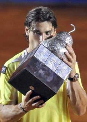 El español Ferrer retiene el título en Acapulco al vencer a Nico Almagro
