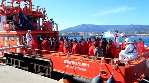 Salvamento Marítimo rescata a 38 migrantes en patera que navegaban por Motril