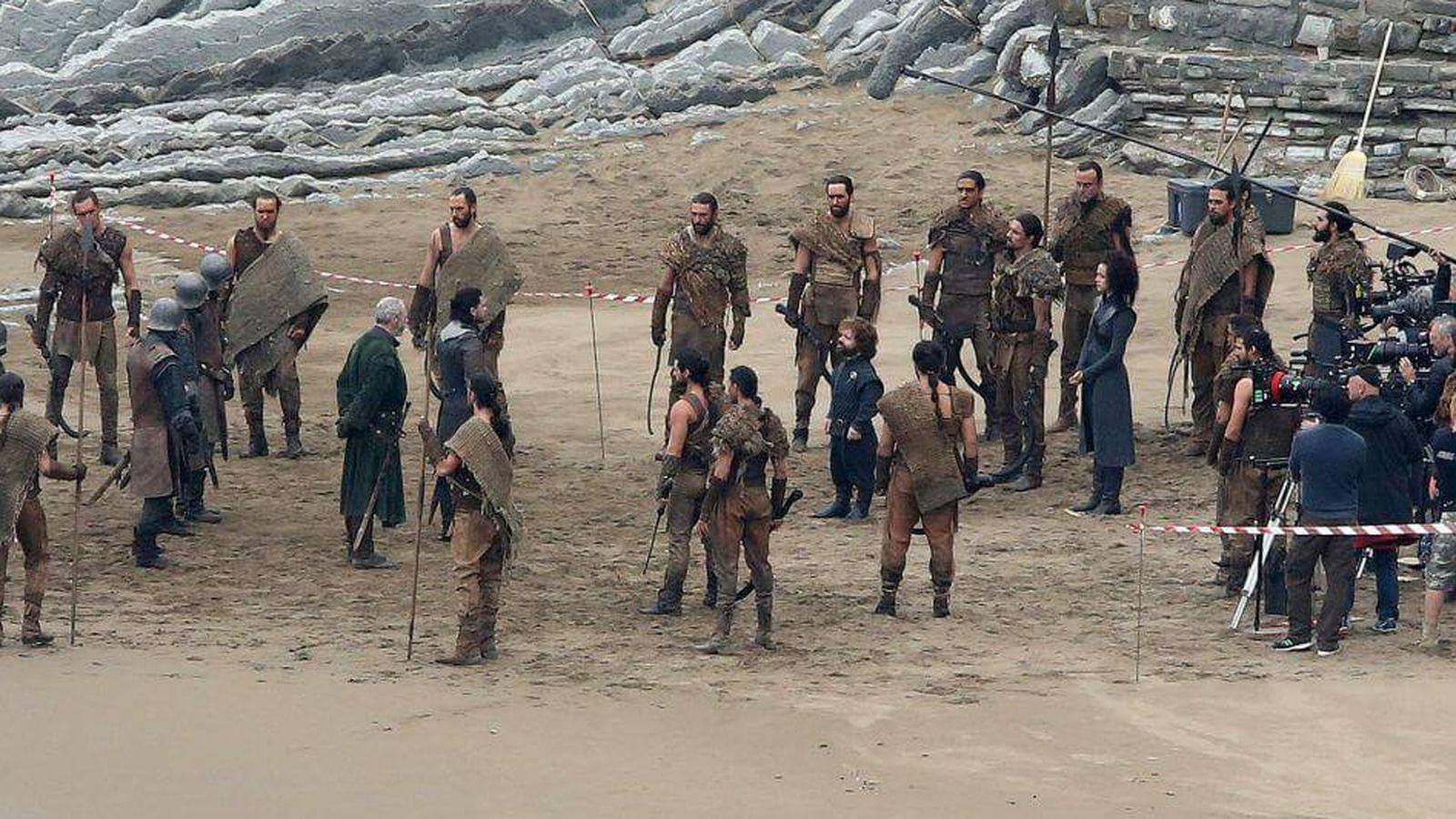 Foto: Imagen del rodaje de la séptima temporada de 'Juego de Tronos', en Zumaia.