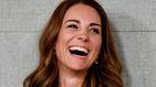 Kate Middleton, todo sonrisas y nuevo look en su primer acto tras el regalo de Isabel II