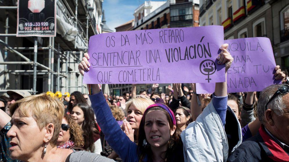 Foto: Feministas en una protesta contra la sentencia de La Manada | EFE