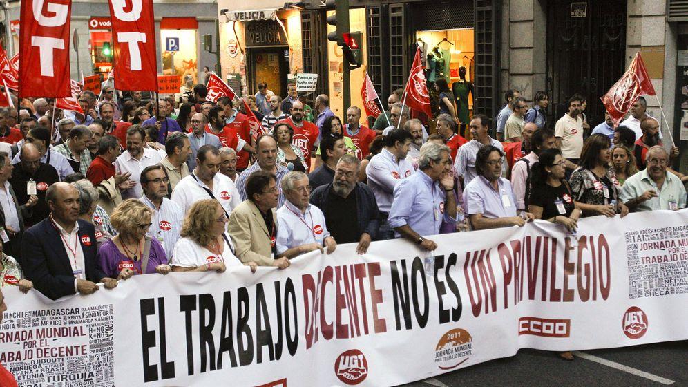Foto: Manifestación con motivo del Día Mundial del Trabajo Decente. (EFE)