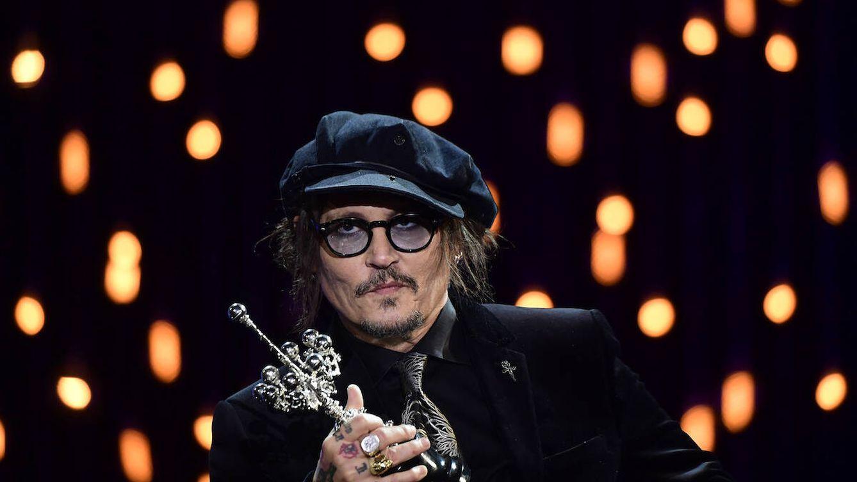Johnny Depp, en San Sebastián: una llegada accidentada para un pirata muy elegante