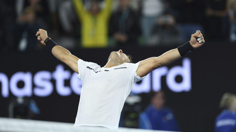 Foto: Nadal celebra su muy trabajada victoria ante Dimitrov (EFE)