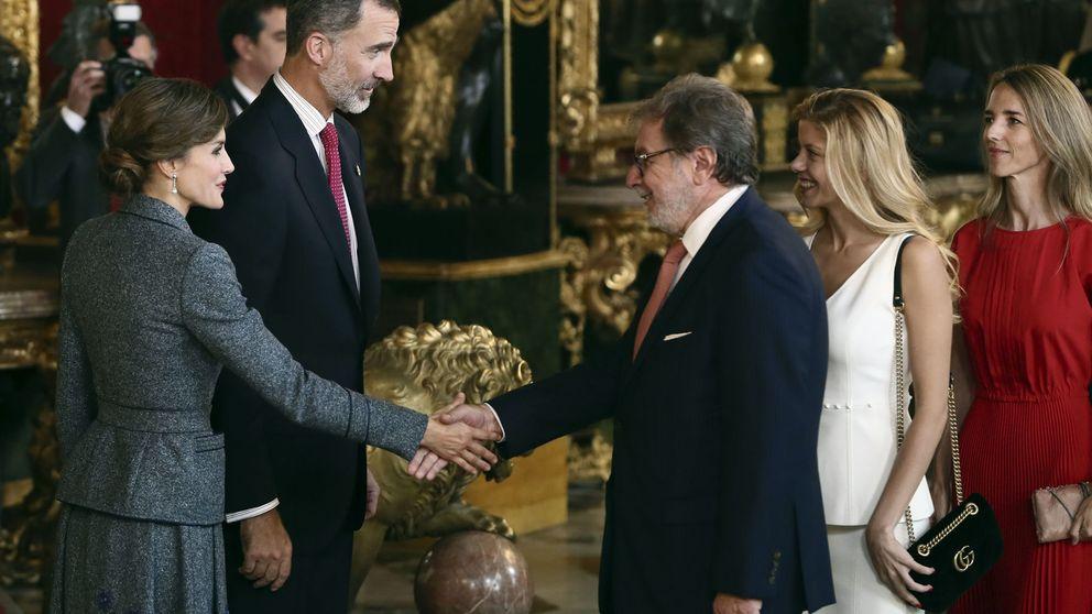Sé cómo te sientes: los viejos 'popes' del periodismo se consuelan en Palacio Real