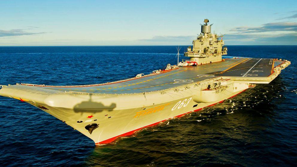 Así es el poderoso (y gafe) portaaviones ruso que ronda la costa española