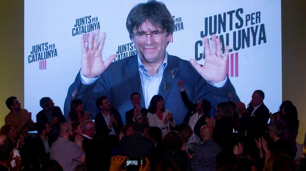 Foto: Carles Puigdemont, en el acto de inicio de campaña de Junts per Catalunya, el pasado viernes. (EFE)