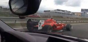 Post de Grabado un Ferrari de Fórmula 1 circulando en las autopistas de República Checa