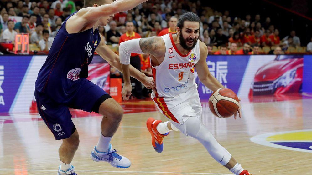 Foto: Ricky Rubio, con 19 puntos, fue el máximo anotador de España ante Serbia. (EFE)
