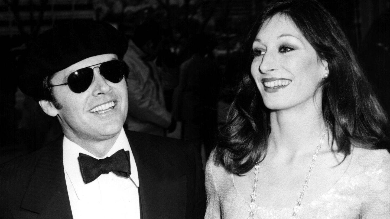 Junto a Jack Nicholson en los Oscar de 1974. (CP)