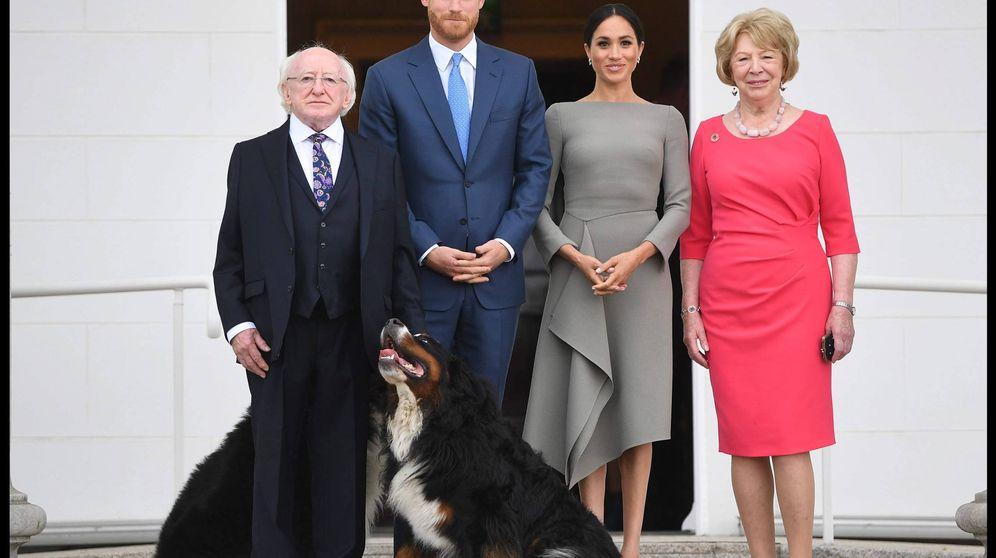 Foto: Los duques de Sussex posan con el presidente y su esposa. (Cordon)