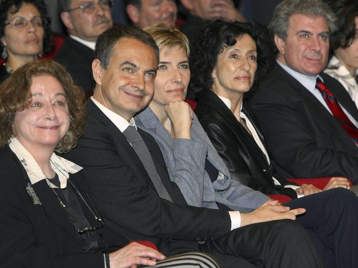 Foto: La asignatura fue aprobada durante la primera legislatura de Rodríguez Zapatero, con Mercedes Cabrera en el Ministerio de Educación. (EFE)