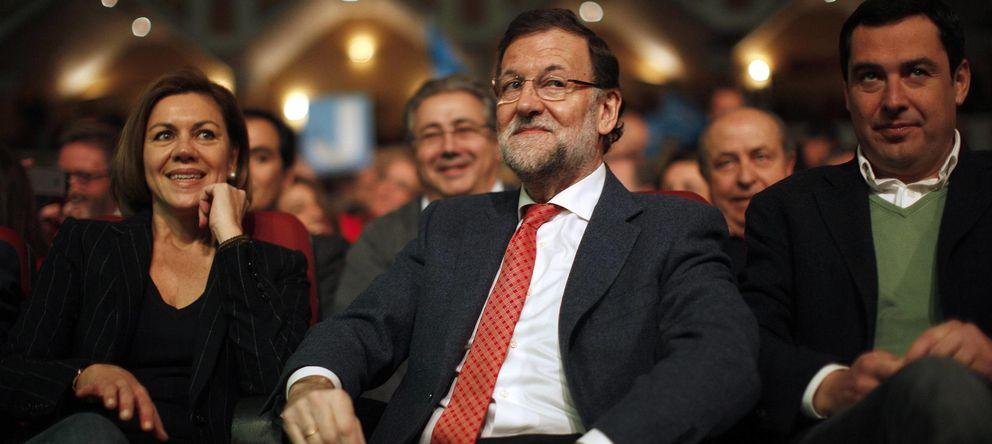 Foto: Cospedal, Rajoy y Moreno Bonilla, en la reunión del PP en Torremolinos. (Reuters)
