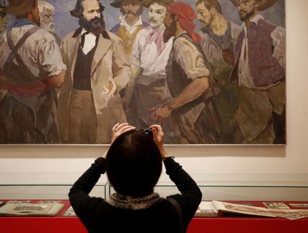Foto: Exposición sobre Karl Marx en San Petesburgo. (Anatoly Maltsev/Efe)