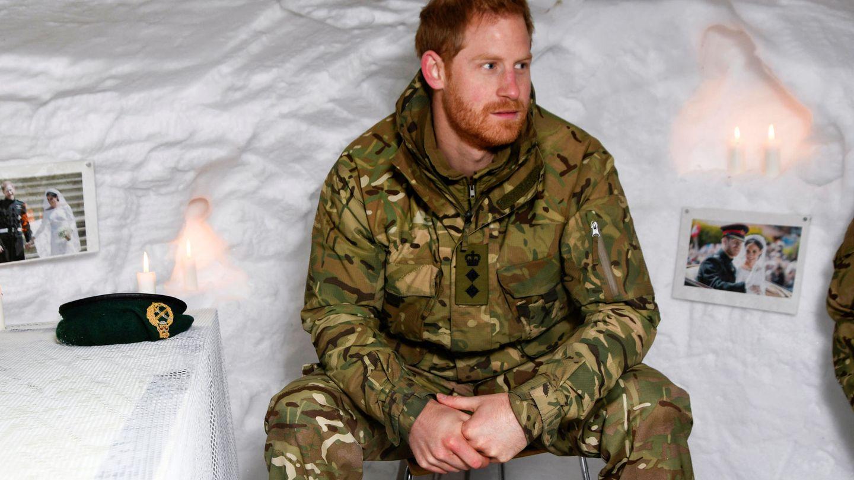 El príncipe Harry, durante una visita a un destacamento del Cuerpo de Marines Reales. (Reuters)