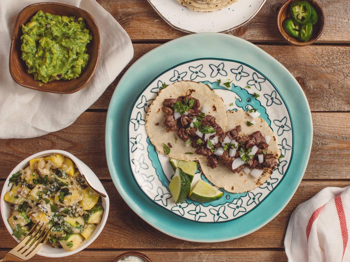 Foto: Cinco recetas saludables para la cena. (Travis Yewell para Unsplash)