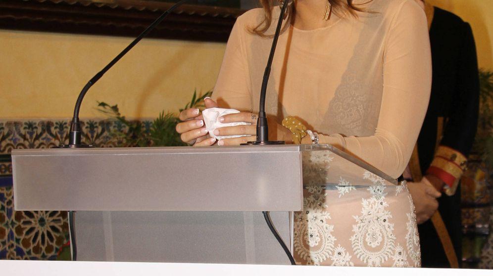 Foto:  Gloria Camila recogiendo el premio. (GTres)