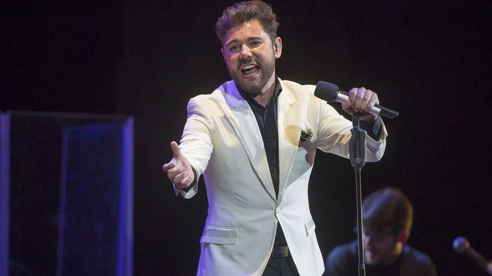 Foto: El cantaor Miguel Poveda, durante un concierto. (EFE)