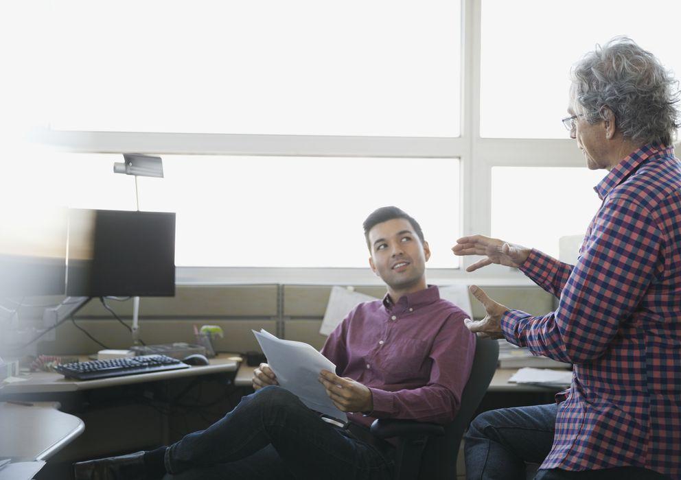 Foto: Para pasar de becario a empleado hay que mostrar un interés genuino por la compañía. (Corbis)
