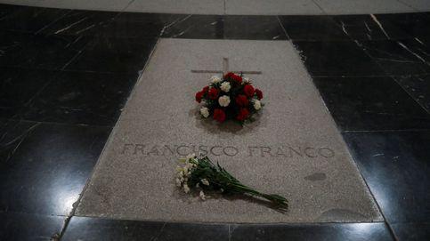 Franco ya tiene una tumba, austera y sin símbolos, con su nombre en El Pardo