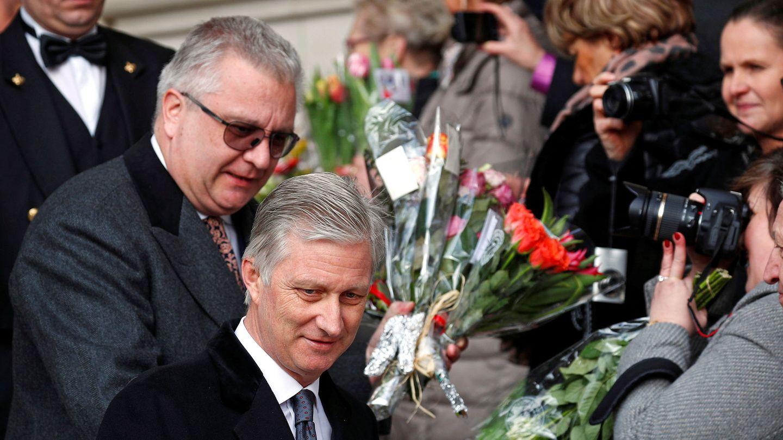 El rey Felipe de Bélgica y el príncipe Laurent. (Reuters)