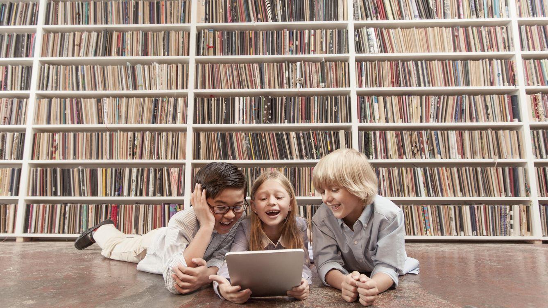 Foto: ¿Cuáles son los pros y los contras de que niños y niñas compartan aula? (Zack Seckler/Corbis)