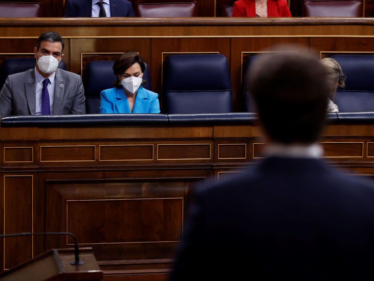 Foto: Casado durante una sesión de control al Gobierno. (EFE)