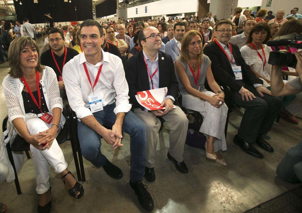Foto: Pedro Sánchez junto a Nuria Marín, Miquel Iceta y Carme Chacón. (Efe)