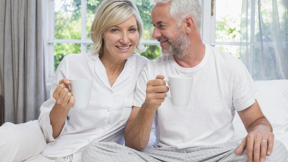 Foto: Tomar un té y hacer el amor: la fórmula perfecta para dormir bien y, de paso, adelgazar. (iStock)