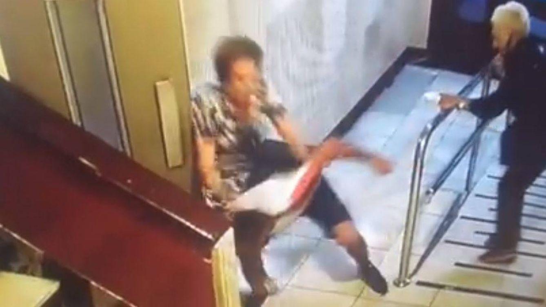 Así reaccionaron dos ancianas al ser víctimas de un brutal atraco en un portal de Bilbao