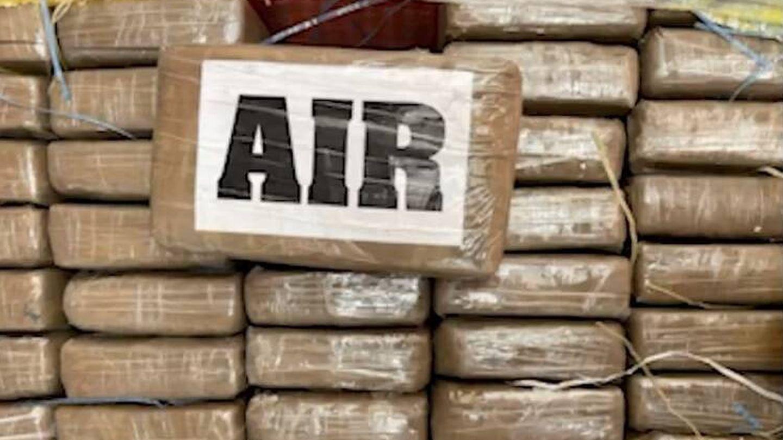 Paquetes de cocaína del gran alijo incautado en Ecuador con destino España. (Policía Nacional de Ecuador)