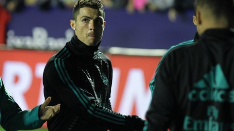 Un enfadado Cristiano Ronaldo intimida a un cámara de televisión