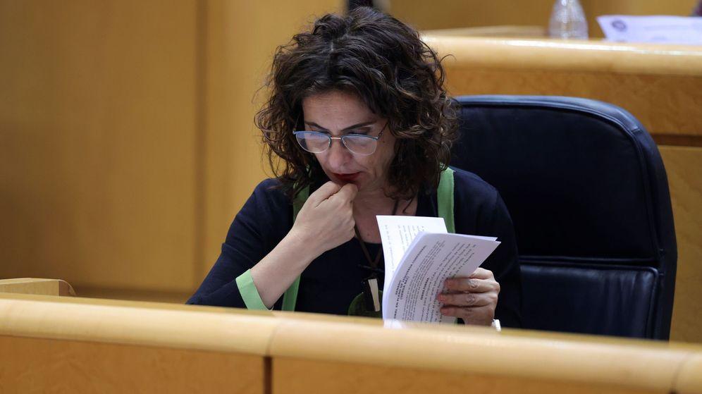 Foto: La ministra de Hacienda, María Jesús Montero, este martes en el Senado. (EFE)