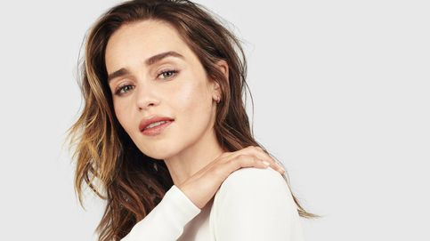 35 años de Emilia Clarke, rompedora de cánones de belleza y heredera del trono antibótox