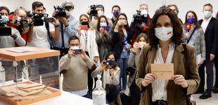Post de Elecciones en Madrid: de Isabel Díaz Ayuso a Pablo Iglesias, los looks con los que han votado