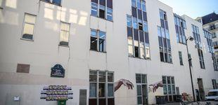 Post de Cuatro personas heridas por arma blanca junto a la antigua sede de Charlie Hebdo