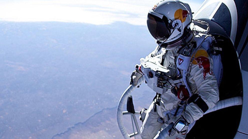 Felix Baumgartner hace historia y consigue superar la velocidad del sonido
