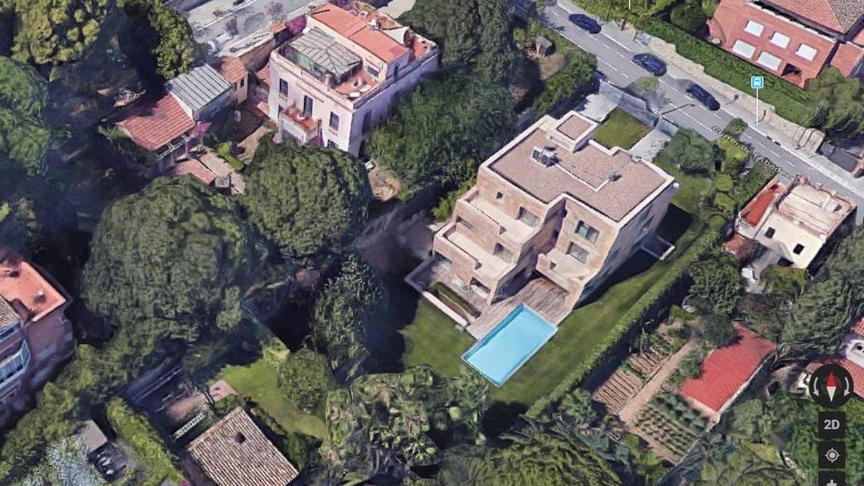 Vista aérea de la casa en venta por 10 millones en Barcelona. (Google)