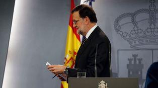 El pase negro de Rajoy y la supervivencia del PSOE