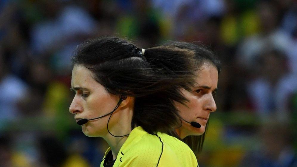 Foto: harlotte y Julie Bonaventura, durante los Juegos Olímpicos de Río 2016. (EFE)