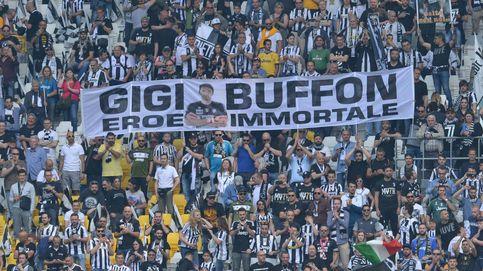 Despedida a Buffon y malabares en el aire en Polonia: el día en fotos