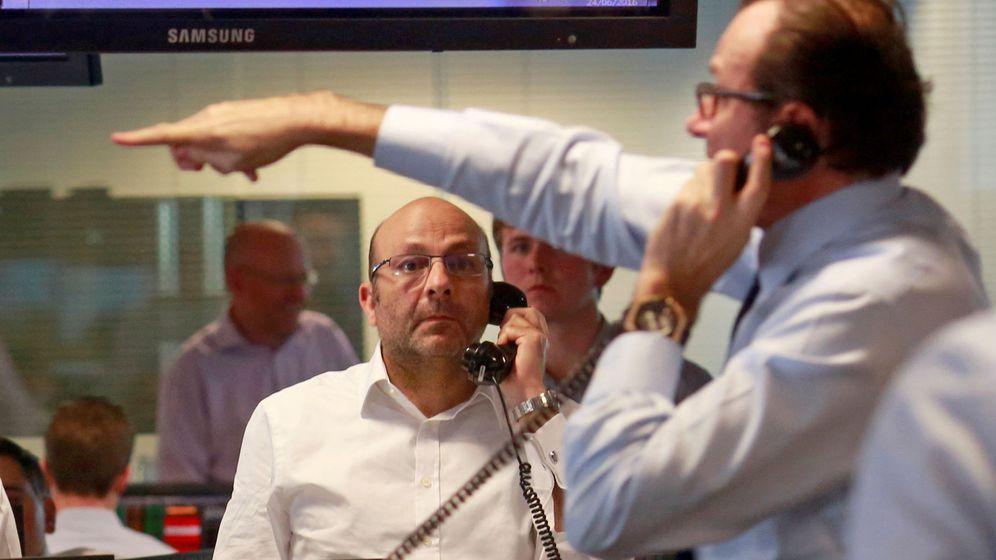 Foto: Traders en la bolsa de Londres (Reuters)