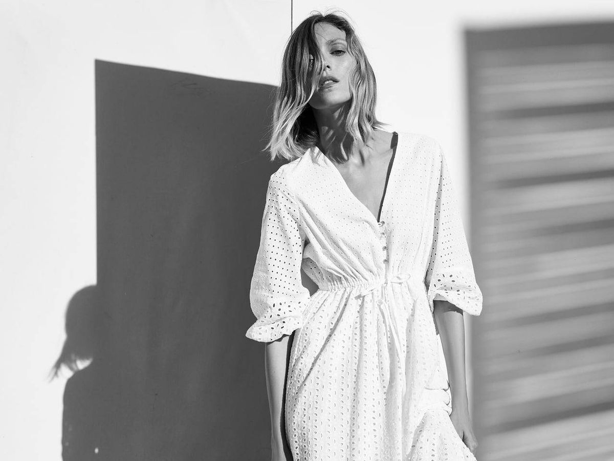 Foto: Zara saca un vestido blanco que seducirá a las novias de verano. (Cortesía)