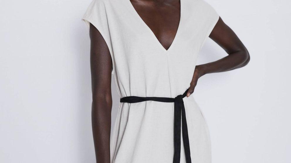 Zara no para de reponer este vestido basic que cuesta 20 euros y es perfecto para el verano