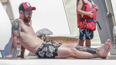 Messi, Fábregas, Luis Suárez, Negredo, De Boer: ¡Futbolistas a remojo en Ibiza!