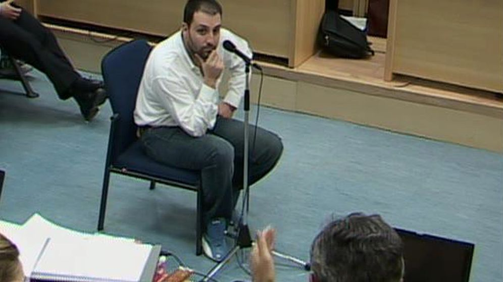 Foto: Suárez Trashorras, en 2007, en un momento del juicio del 11-M. (Reuters)